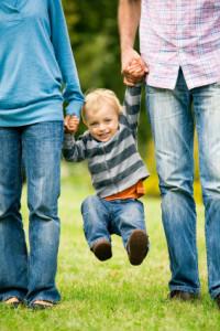 boy_with_parents
